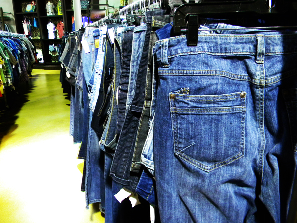 goodwill-boutique-jeans2