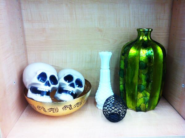 goodwill-halloween-decor-skulls-green-vase