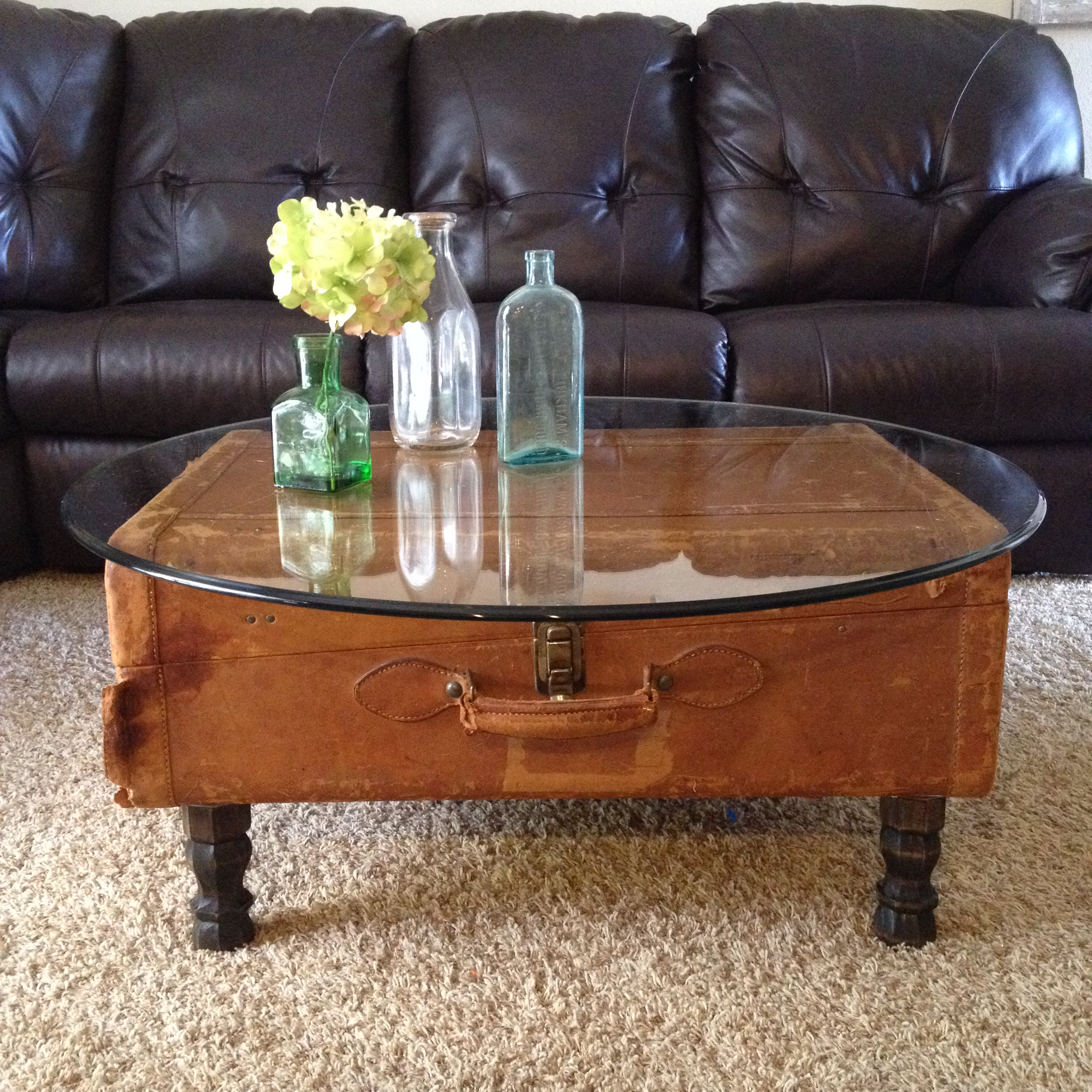 Antique Round Leather Top Coffee Table: Vintage Leather Suitcase Coffee Table