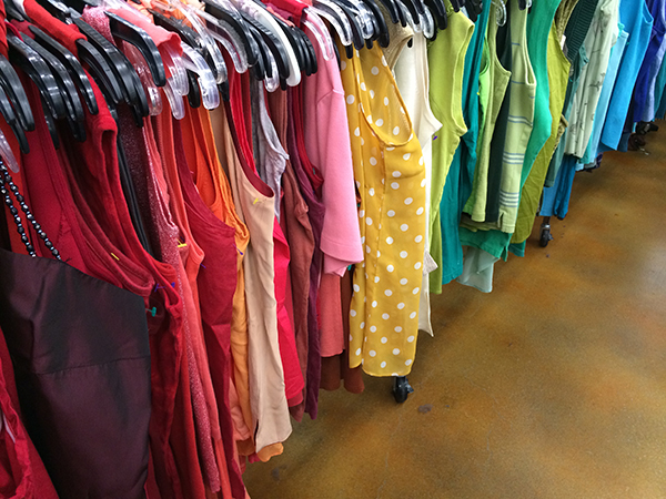 dos and donts of goodwill shopping 15