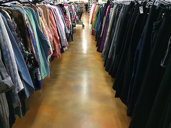 dos and donts of shopping goodwill 6