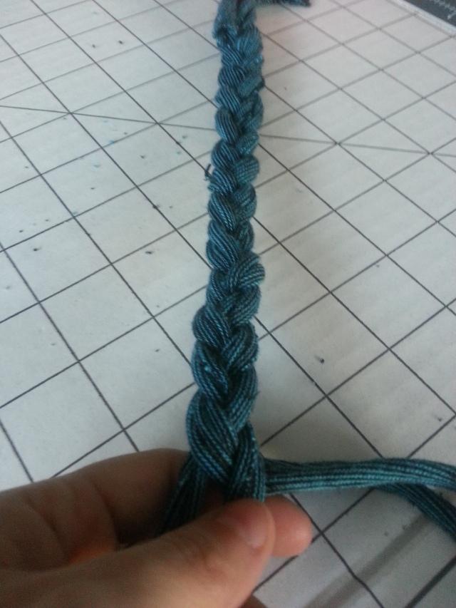T-Shirt Necklace braiding OC Goodwill