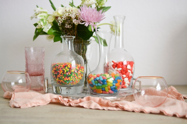 flower-and-candy-centerpiece-idea